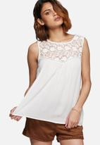 Vero Moda - Line lace top