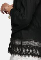 Vero Moda - Lisa off shoulder top