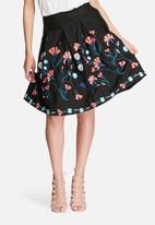 Vero Moda - Elvira embroidered skirt
