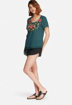 Vero Moda - Senorita embroidered top