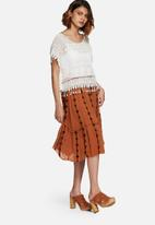 Vero Moda - Samantha embroidered skirt
