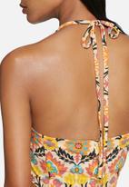 Noisy May - Sienna hartal neck crop top