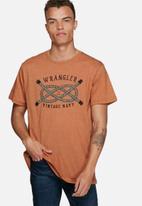 Wrangler - In knots tee
