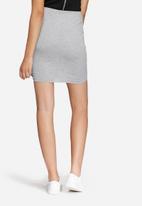 Noisy May - Mandel skirt