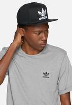 fa205681913 AC cap tre flat - black   white adidas Originals Headwear ...