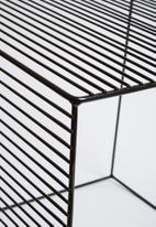 Sixth Floor - Grid table