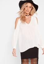 Missguided - Cheesecloth cold shoulder blouse