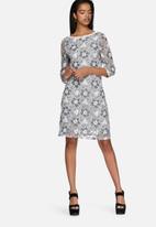 Vero Moda - Janet deep back dress