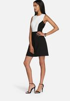 Vero Moda - Kardashian dress