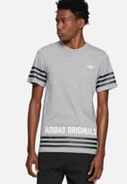 adidas Originals - Street group tee