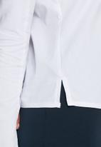dailyfriday - Woven fluted sleeve top