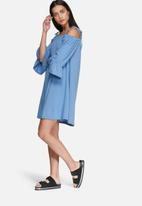 Glamorous - Cold shoulder swing dress