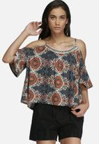 Vero Moda - Malu Rami cold shoulder top