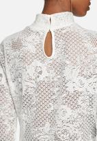 VILA - Loras lace top