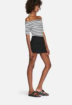 b16df8e2462 Rib off-shoulder short sleeve striped top - black & white ...