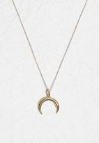 Matter of Fakt - Oasis crescent necklace 45mm-brass
