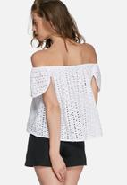 Missguided - Lace off shoulder blouse