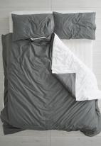 Sixth Floor - Reversible duvet set