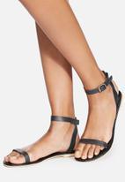 dailyfriday - Yolanda Leather Sandal
