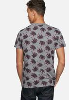 Superdry. - California state tee