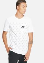 Nike - RU statement tee