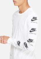 Nike - RU art tee