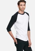basicthread - 3/4 Raglan tee - white & black