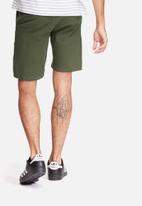 basicthread - Slim fit chino shorts