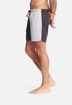 basicthread - Swimshort cut & sew