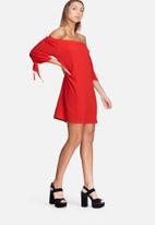 dailyfriday - Off shoulder sleeve tie dress
