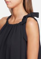 dailyfriday - Self fabric neck tie top