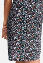 dailyfriday - Slip ditsy dress & tee set