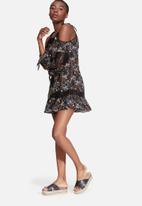 Glamorous - Floral cold shoulder dress