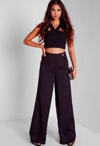 Missguided - Side Cut Out Crop