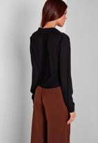 Missguided - Wrap-over blouse