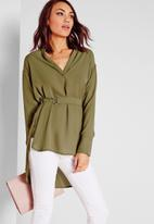 Missguided - Belted d-ring blouse