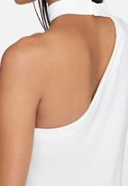 Missguided - Choker neck one shoulder blouse