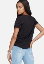 Daisy Street - Relaxed pocket T-shirt