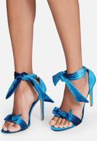 84328381d759 Alza - peacock blue Cape Robbin Heels