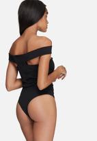 Missguided - Cut out panel bardot bodysuit