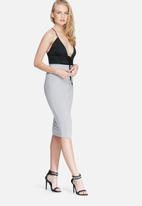 Missguided - Ribbed popper through maxi skirt