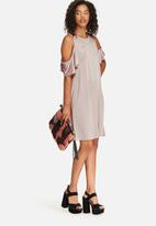 Glamorous - Cold shoulder swing dress