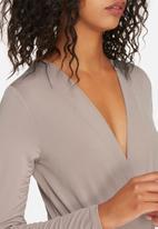 Glamorous - V-neck bodysuit