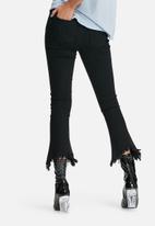 Daisy Street - High waist kick flare jeans with frayed hems