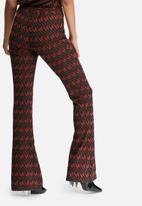 Glamorous - Chevron printed flared pants
