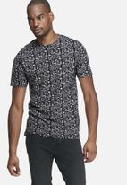 Only & Sons - Andreas fitted tee