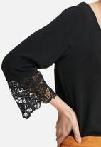 VILA - Berta lace top