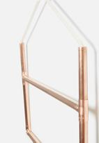 Sixth Floor - Copper rectangular rail