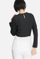 Glamorous - Two-tone waist tie top