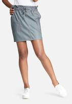 dailyfriday - Short paper bag skirt